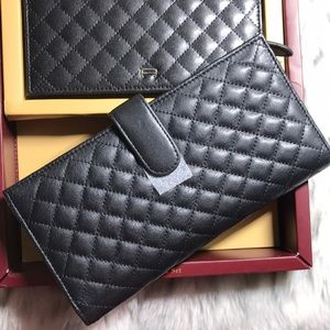Etienne Aigner Leather Wallet Gift set Never used.